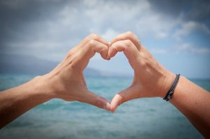 Srdce vytvorené z rúk